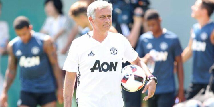 Jose Mourinho di China