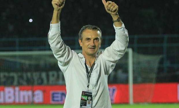 Milomir Seslija, mantan pelatih Arema FC | Foto via goal.com