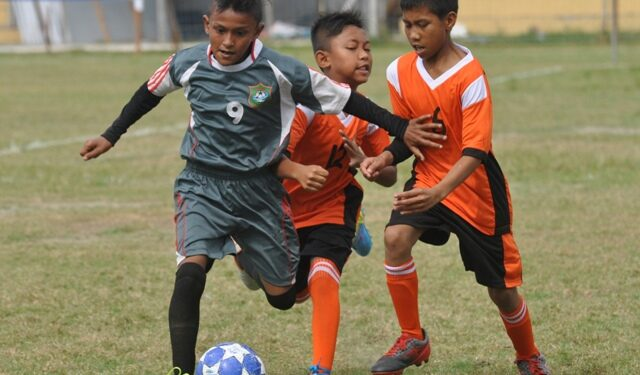 Salah satu laga penyisihan babak kualifikasi Regional Aceh | Foto Dok SSB Idi Raya