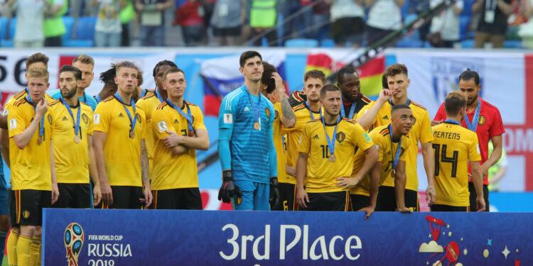 Pemain Belgia pamer medali   Foto: FIFA