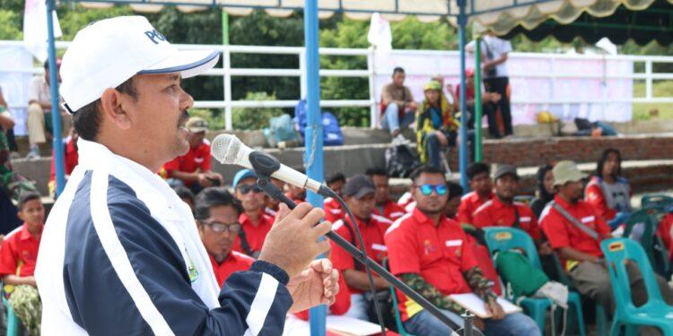 Bupati Aceh Besar Ir Mawardi Ali saat membuka dimulainya cabang olahraga Panjat Tebing di Jantho.   Foto; Humas PORA
