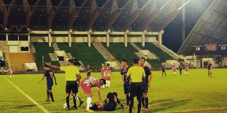 Duel antara Putra Aceh Utara lawan Pidie FC