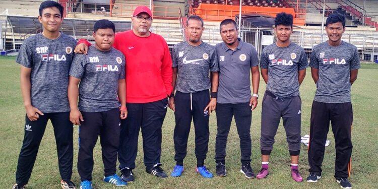 Iwan bersama para pelatih Jong Aceh FA   Photo JFA