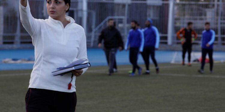 Maha Jannoud, pelatih klub sepakbola profesional di Suriah