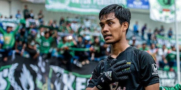 Kiper Persebaya, Miswar Syahputra | Photo via bolasports.com