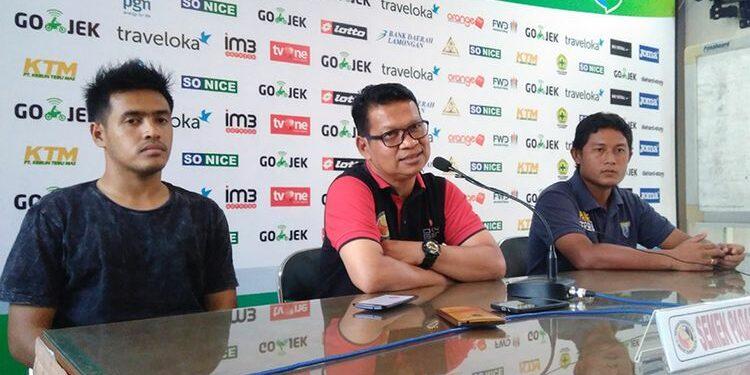 Delfi Adri (tengah) | Photo via Liga-indonesia