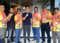 Staf Khusus Kemenpora Tommy Kurniawan bersama staf Dispora Aceh