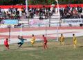 Edi Tiadarma (8) gagal memanfaatkan peluang emas di menit-menit akhir babak pertama | Foto HUMAS KONI