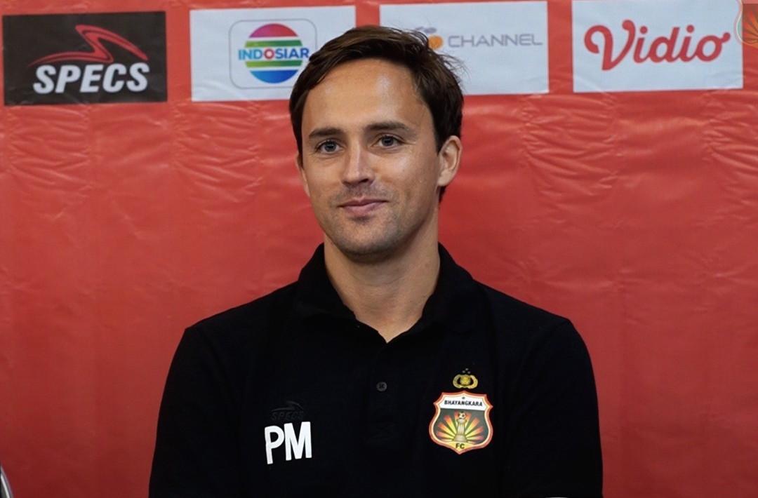 TM Ichsan, Paul Munster
