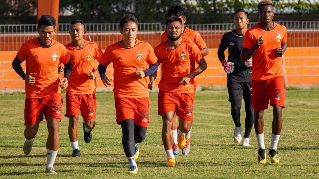 Bintang Timnas Indonesia yang membela Bhayangkara FC berlatih di Stadion H Dimurthala, Banda Aceh   Foto IG