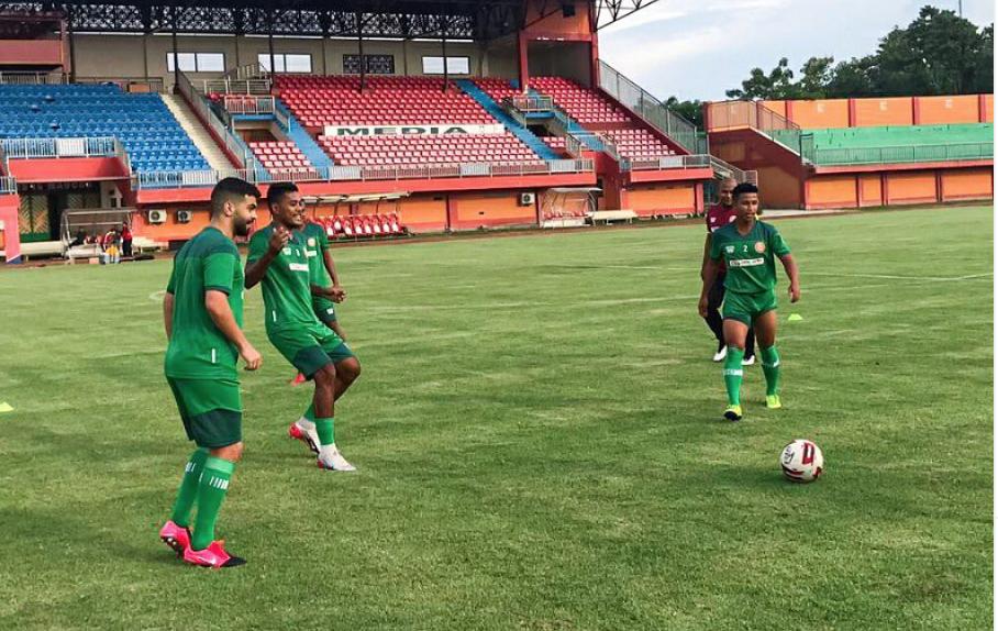 Pemain Persiraja saat Official Training di Stadion Gelora Madura   Foto persiraja.id