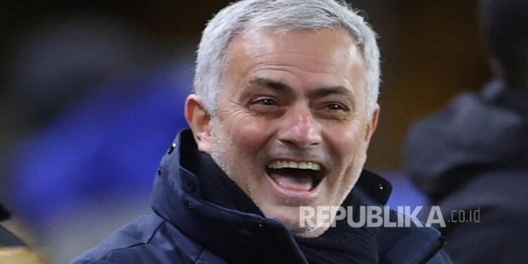 Pelatih Tottenham Hotspur Jose Mourinho