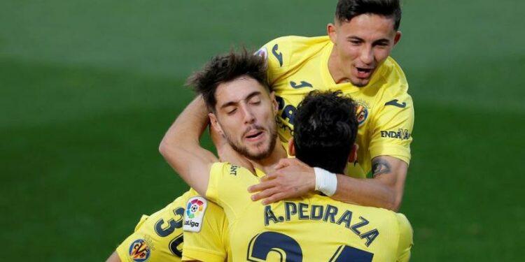 Penyerang Villarreal, Nino, merayakan golnya ke gawang Levante.