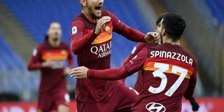Pemain AS Roma Lorenzo Pellegrini merayakan gol ke gawang Inter Milan.