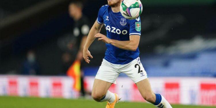 Bek Kanan Everton, Jonjoe Kenny.