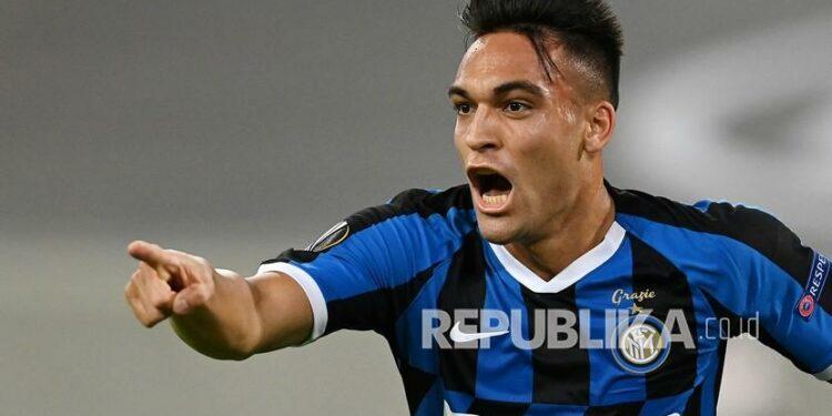 Pemain Inter Milan Lautaro Martinez  mencetak hattrick saat melawan Crotone..