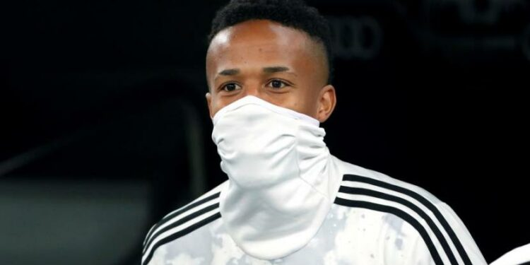 Bek Real Madrid, Eder Militao, diincar sejumlah klub elite Eropa seperti Bayern Muenchen, Liverpool dan Tottenham Hotspur.