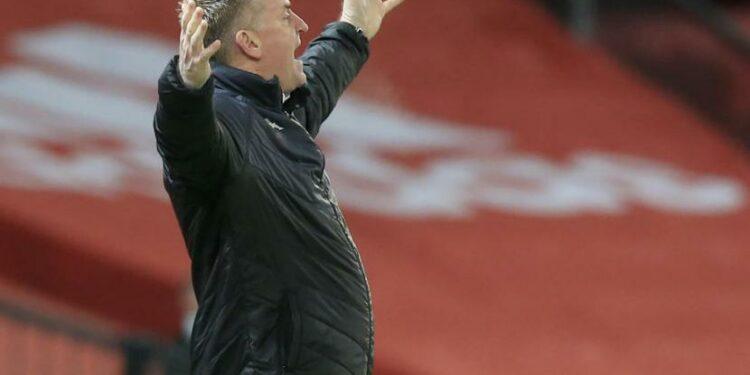 Reaksi pelatih Aston Villa Dean Smith dalam laga kontra Manchester United.