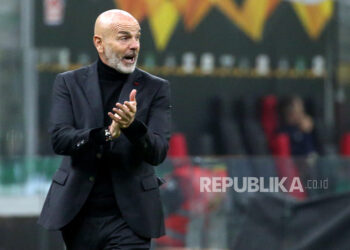 Pelatih kepala Milan Stefano Pioli