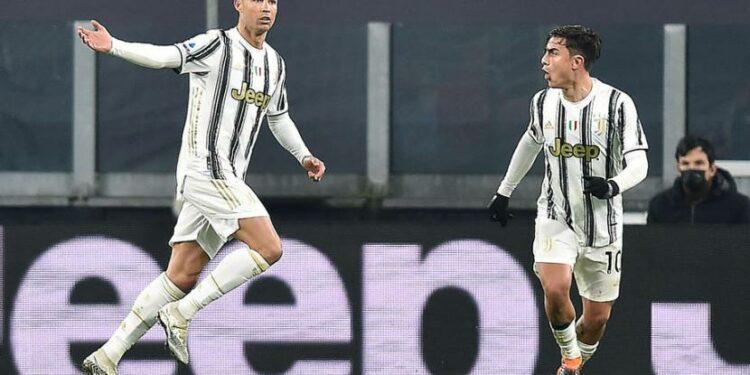 Ekspresi penyerang Juventus Cristiano Ronaldo (kiri) seusai menjebol gawang Udinese.