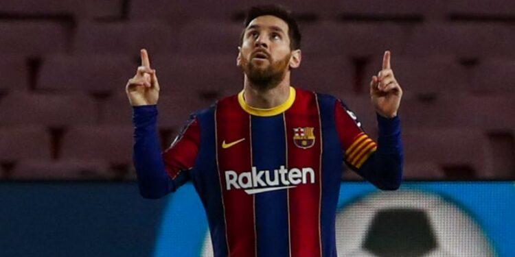 Celebration of Barcelona star Lionel Messi after scoring a goal against Elche.