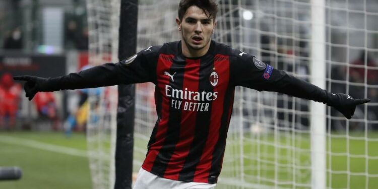 Brahim Diaz dari AC Milan melakukan selebrasi usai mencetak gol keempat timnya selama Liga Europa, Grup H, pertandingan sepak bola antara AC Milan dan Celtic di Stadion San Siro, di Milan, Italia, Kamis, 3 Desember 2020
