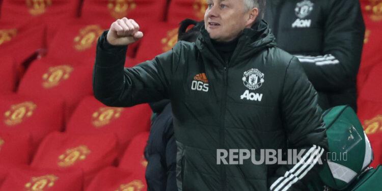 Reaksi manajer Manchester United Ole Gunnar Solskjaer pada akhir pertandingan sepak bola Liga Utama Inggris antara Manchester United dan West Ham United di Manchester, Inggris, 14 Maret 2021.