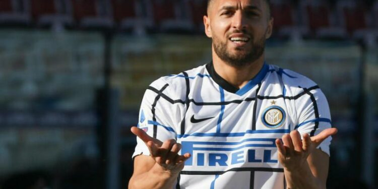 Bek Inter Milan, Danilo DAmbrosio merayakan gol ke gawang Cagliari pada laga Serie A, Ahad (13/12). Inter menang 3-1.