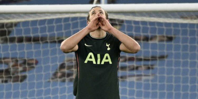 Harry Kane dari Tottenham bereaksi setelah pemain Manchester City Rodrigo mencetak gol pembuka selama pertandingan sepak bola Liga Premier Inggris antara Manchester City dan Tottenham Hotspur di Stadion Etihad, Manchester, Inggris, Sabtu, 13 Februari 2021.