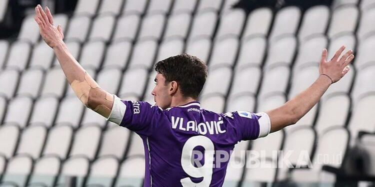 Striker Fiorentina Dusan Vlahovic.