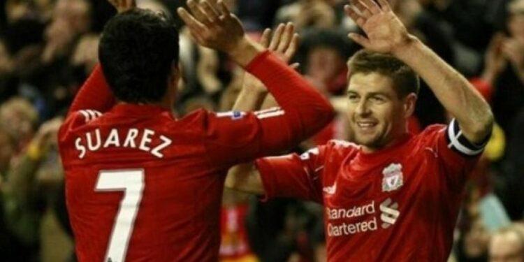 Luis Suarez dan Steven Gerrard saat masih bersama di Liverpool.