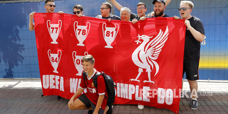Suporter Liverpool di Kota Kiev Ukraina