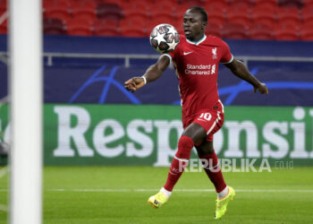 Sadio Mane of Liverpool in action during the UEFA Champions League round of 16, second leg, soccer match between Liverpool FC and RB Leipzig at Puskas Ferenc Arena in Budapest, Hungary, 10 March 2021.
