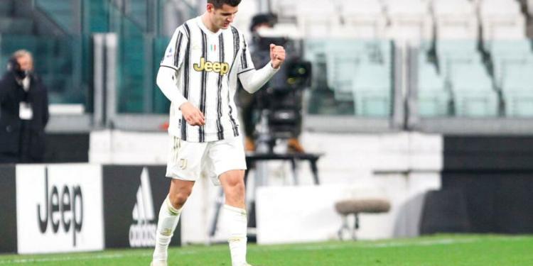 Pemain Juventus Alvaro Morata melakukan selebrasi usai mencetak gol di gawang Lazio pada pertandingan Serie A di Allianz Stadium, Turin, Italia, Sabtu (6/3) waktu setempat.