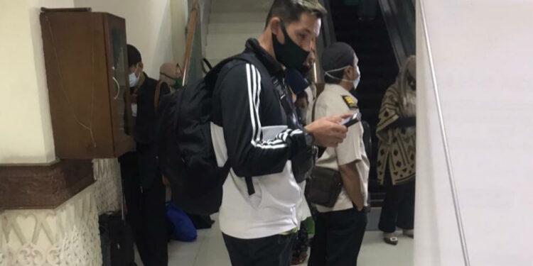 Silvio Escobar saat tiba di Bandara Iskandar Muda   Foto Kiriman Humas Persiraja