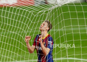 Gelandang Barcelona Frenkie de Jong.