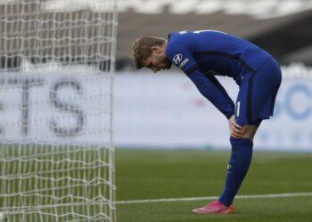 Reaksi Timo Werner Chelsea saat pertandingan sepak bola Liga Utama Inggris antara West Ham United dan Chelsea di Stadion London, London, Inggris, Sabtu, 24 April 2021.