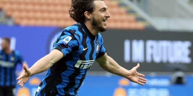 Inter Milan defender, Matteo Darmian scores Inter Milan's winning goal over Verona, Sunday (25/4)