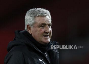 Pelatih Newcastle United, Steve Bruce.