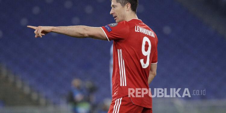 Striker Bayern Muenchen Robert Lewandowski.