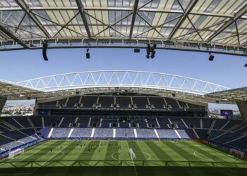 Para pemain Manchester City menghadiri sesi latihan di stadion Dragao di Porto, Portugal, Jumat, 28 Mei 2021. Klub Inggris Manchester City dan Chelsea akan memainkan pertandingan final Liga Champions di Porto pada hari Sabtu.