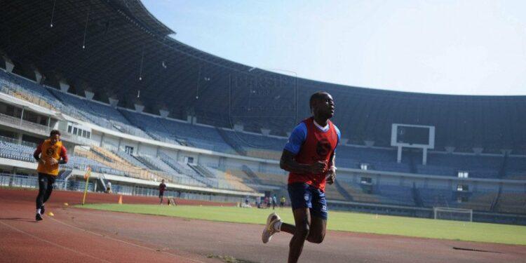 Pemain Persib Bandung jalani tes fisik ukur kebugaran
