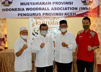 Ketua Terpilih Woodball Aceh Azwardi (dua dari kiri) bersama pengurus KONI Aceh | Foto Istimewa