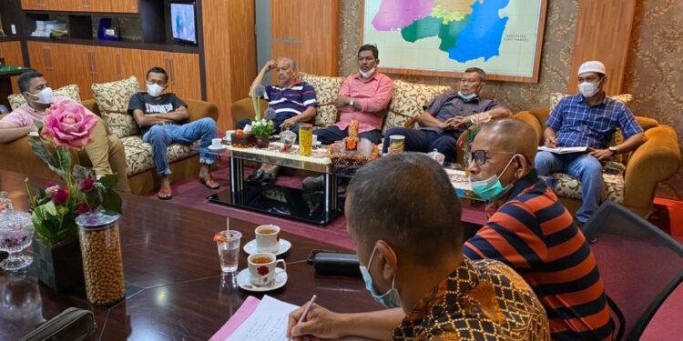 Suasana rapat pengurus PSBL Langsa   Foto via Waspada.id