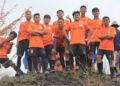 Para pemain Jong Aceh dipuncak bukit Siron, Aceh Besar