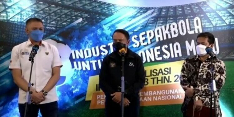 Menpora invites people to believe in the future of football