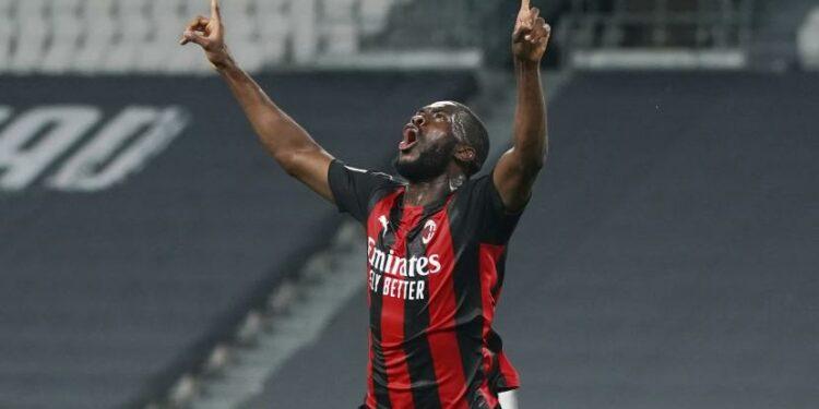 Bek AC Milan Fikayo Tomori.