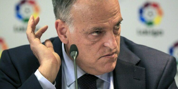 Presiden La Liga Javier Tebas mengungkapkan besarnya kerugian Barcelona.