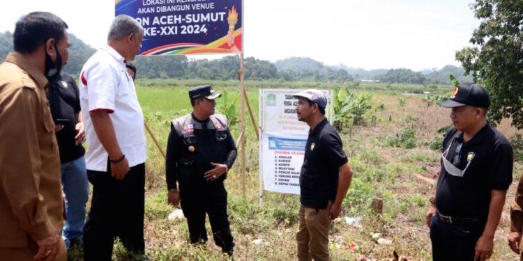 Bupati Aceh Jaya bersama Ketua DPRK dan KONI Aceh Jaya serta unsur Forkopimda mendampingi langsung Tim Penjaringan dan Penyaringan Calon Tuan Rumah PORA 2026 saat melakukan verifikasi lapangan