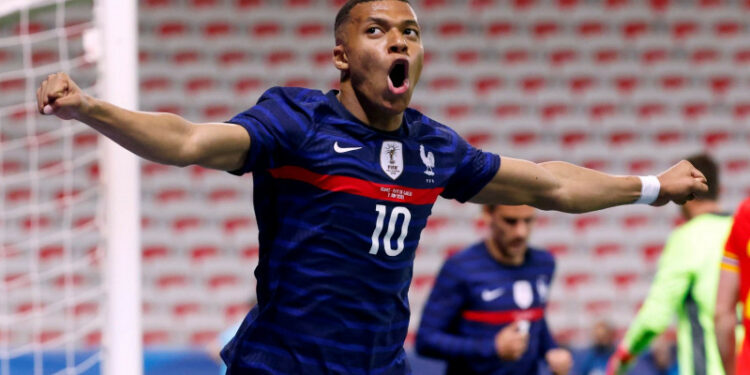 Anelka: Mbappe harus tinggalkan PSG bila ingin raih Ballon d'Or